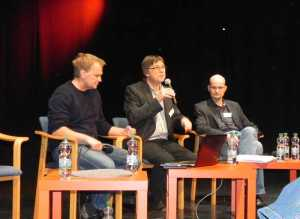 Henning Fangauf beim Frankfurter Autorenforum 2013 im Gespräch mit  Oliver Bukowski (links) und Christian Schönfelder (rechts) über die Rolle des Autors im Theater