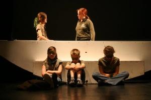 """Kinderclub des carrousel Theaters Berlin """"little monsters"""