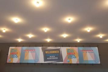 Banner im Foyer